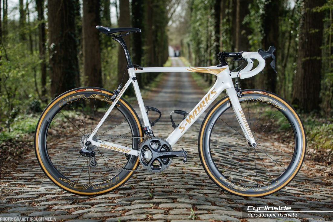per l 39 ultima corsa tom boonen avr una specialized roubaix. Black Bedroom Furniture Sets. Home Design Ideas