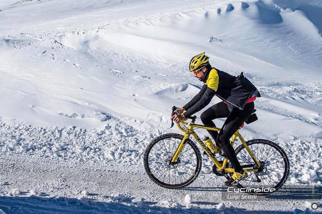 I dieci consigli di Omar di Felice per pedalare al freddo