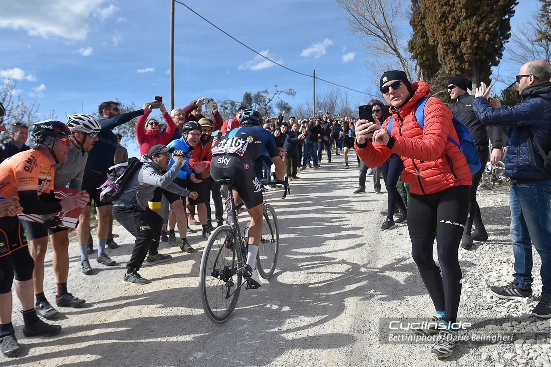 Ciclismo: Strade Bianche a Alaphilippe, male gli italiani